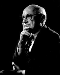 Portrét Miltona Friedmana